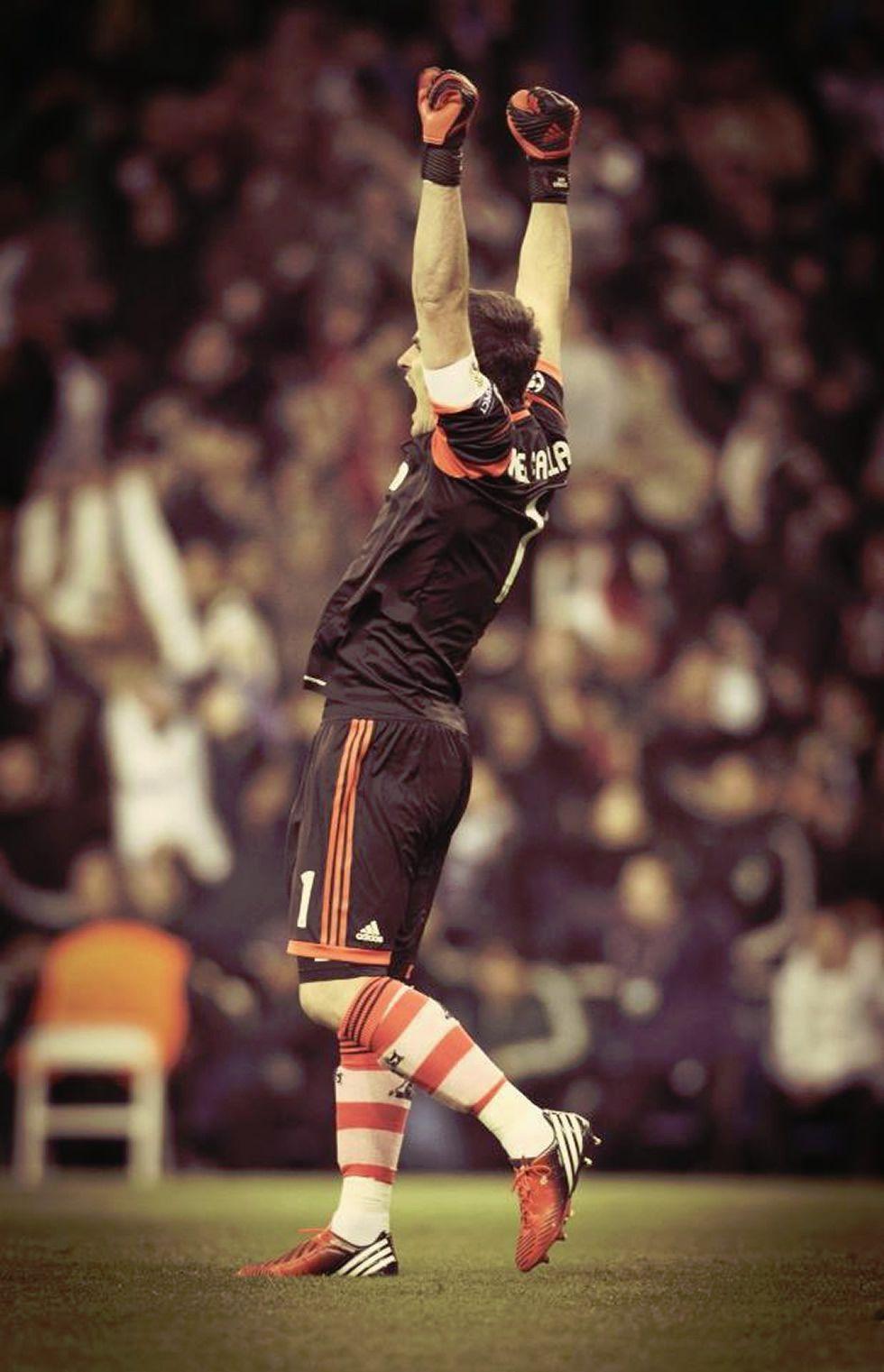 http://futbol.as.com/futbol/imagenes/2012/11/09/portada/1352476119_871066_1352476625_noticia_grande.jpg