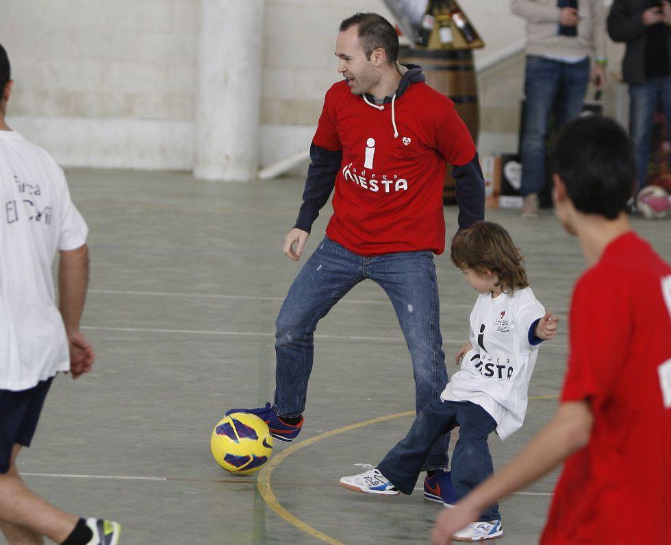 http://futbol.as.com/futbol/imagenes/2013/01/04/primera/1357299962_984400_1357300143_noticia_grande.jpg