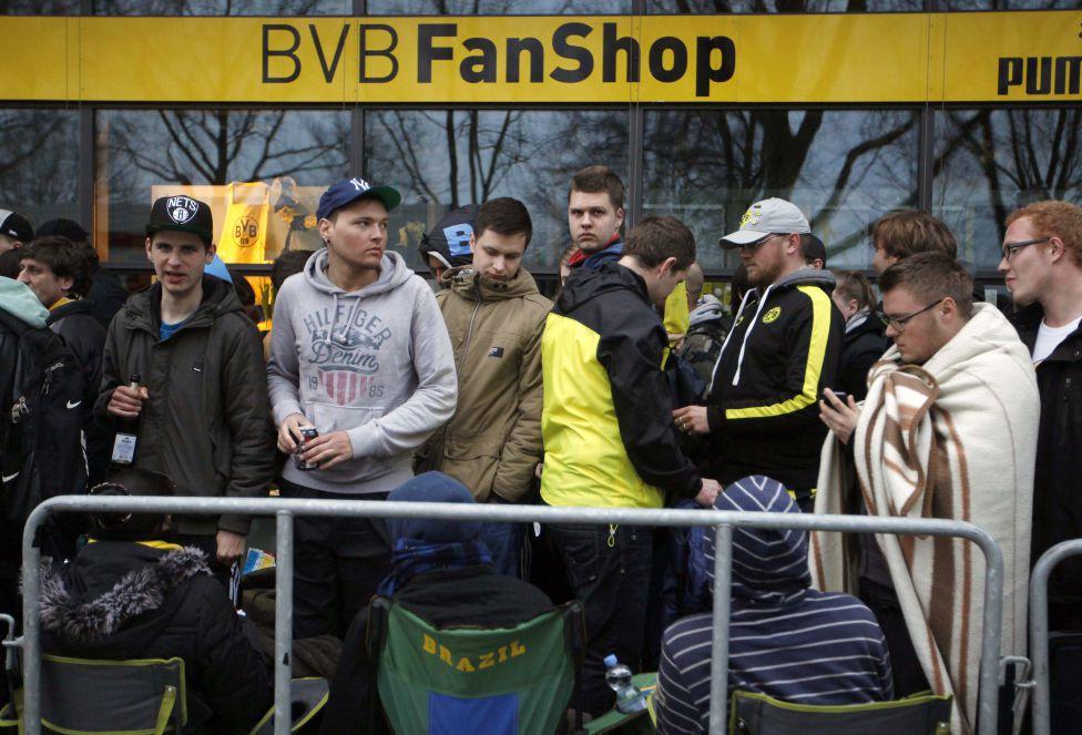 http://futbol.as.com/futbol/imagenes/2013/04/16/album/1366109489_239227_1366110107_album_grande.jpg