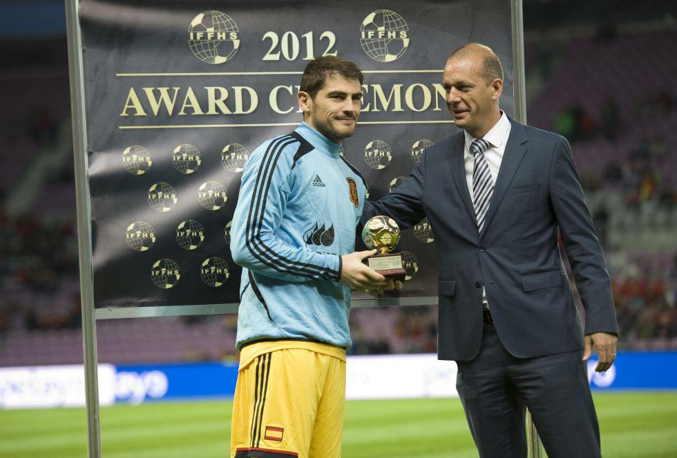 http://futbol.as.com/futbol/imagenes/2013/09/10/mundial/1378838595_684078_1378839202_noticia_grande.jpg