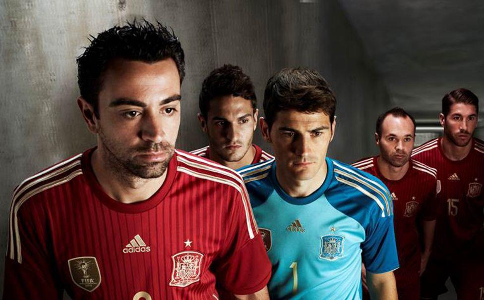 http://futbol.as.com/futbol/imagenes/2013/11/15/album/1384522694_244844_1384523268_album_grande.jpg