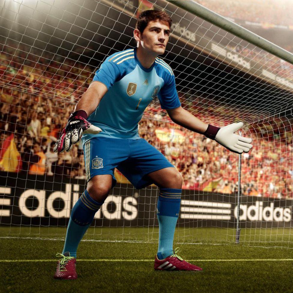 http://futbol.as.com/futbol/imagenes/2013/11/15/album/1384522694_244844_1384523333_album_grande.jpg