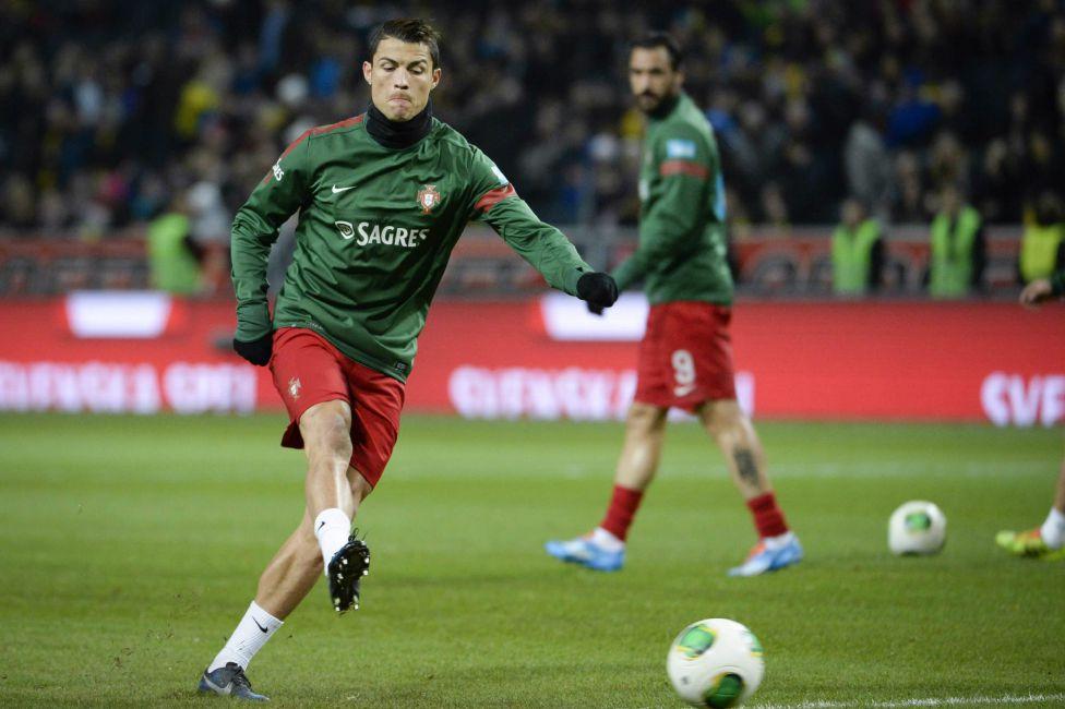 http://futbol.as.com/futbol/imagenes/2013/11/19/album/1384886840_990015_1384892198_album_grande.jpg