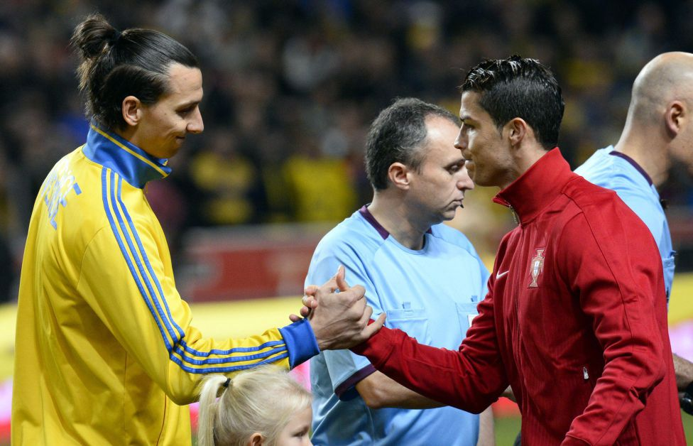 http://futbol.as.com/futbol/imagenes/2013/11/19/album/1384886840_990015_1384892322_album_grande.jpg