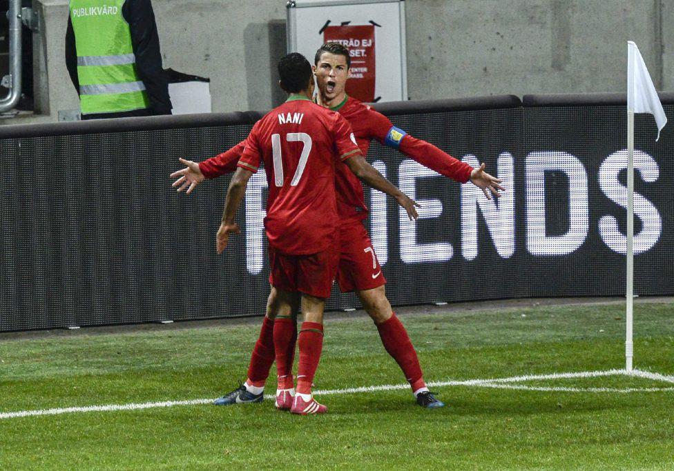 http://futbol.as.com/futbol/imagenes/2013/11/19/album/1384886840_990015_1384896308_album_grande.jpg