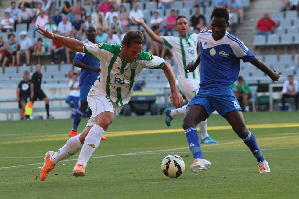 http://futbol.as.com/futbol/imagenes/2014/08/06/primera/1407359144_176576_1407359564_noticia_grande.jpg
