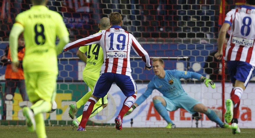 صور : مباراة أتليتيكو مدريد - برشلونة 2-3 ( 28-01-2015 )  1422473923_118684_1422478769_album_grande