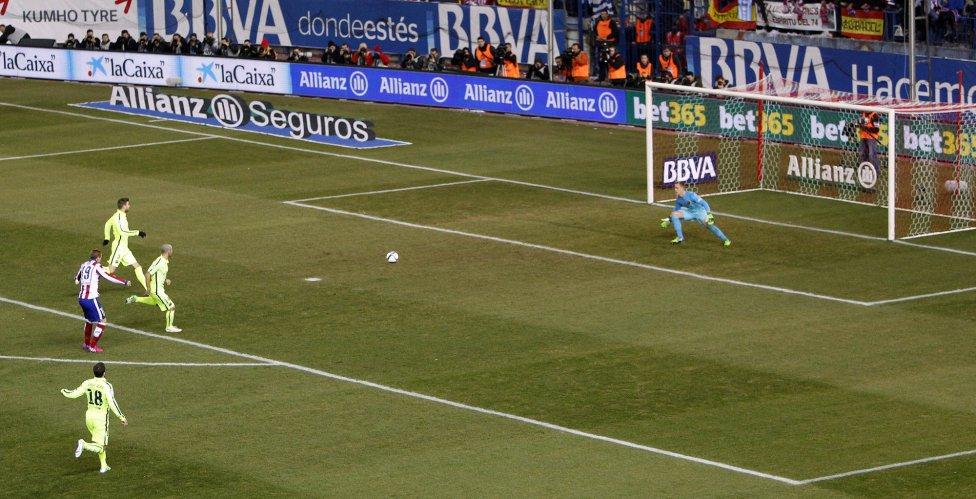 صور : مباراة أتليتيكو مدريد - برشلونة 2-3 ( 28-01-2015 )  1422473923_118684_1422478771_album_grande
