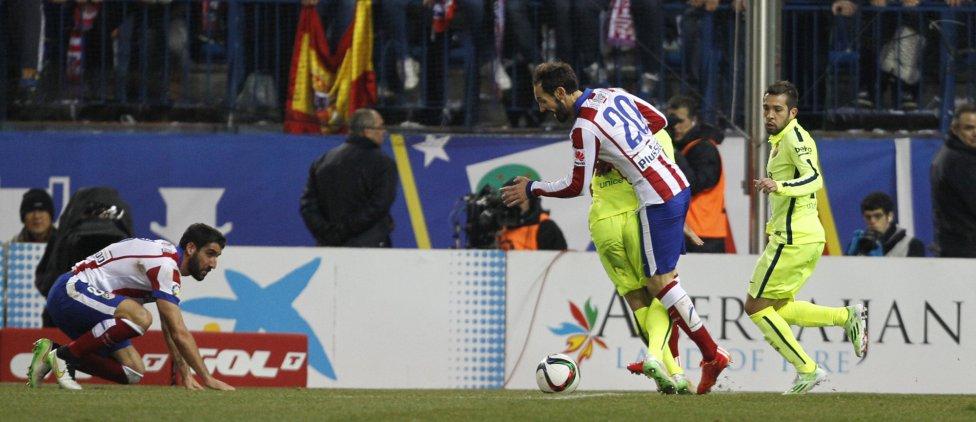 صور : مباراة أتليتيكو مدريد - برشلونة 2-3 ( 28-01-2015 )  1422473923_118684_1422479066_album_grande