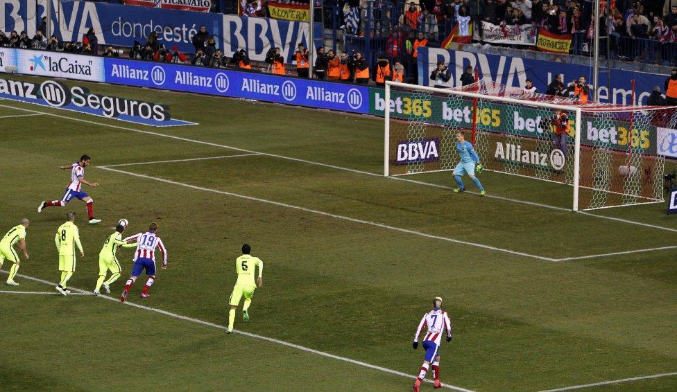 صور : مباراة أتليتيكو مدريد - برشلونة 2-3 ( 28-01-2015 )  1422473923_118684_1422479068_album_grande