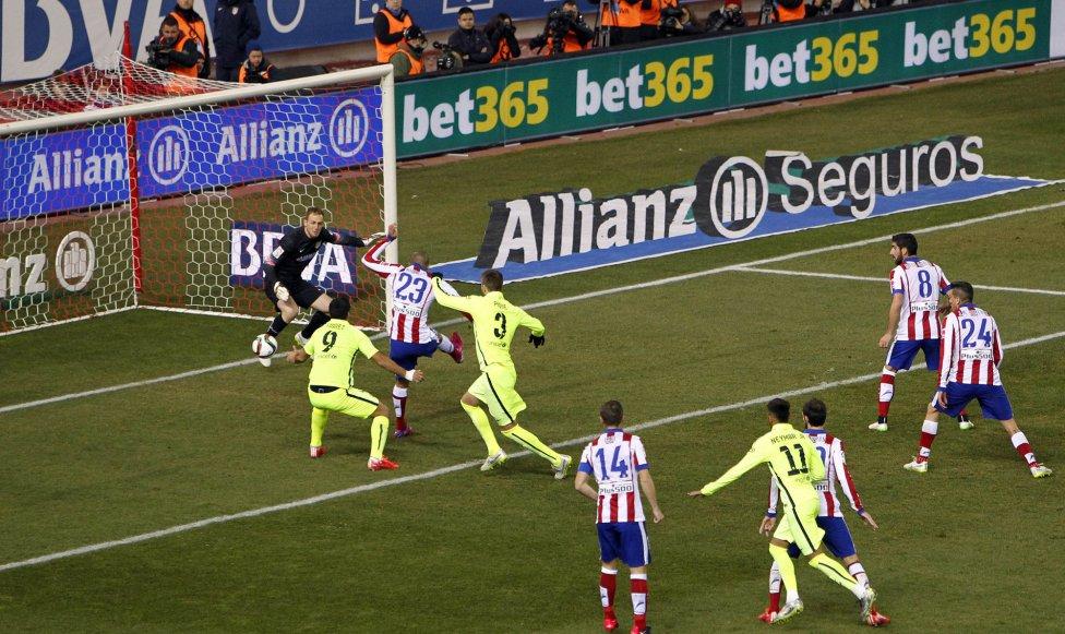 صور : مباراة أتليتيكو مدريد - برشلونة 2-3 ( 28-01-2015 )  1422473923_118684_1422481740_album_grande