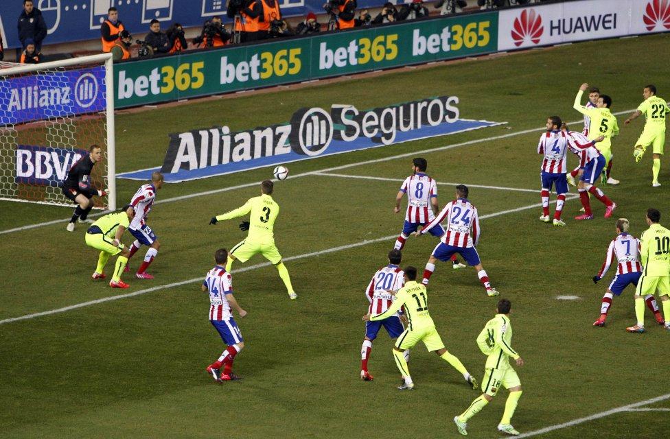 صور : مباراة أتليتيكو مدريد - برشلونة 2-3 ( 28-01-2015 )  1422473923_118684_1422481742_album_grande