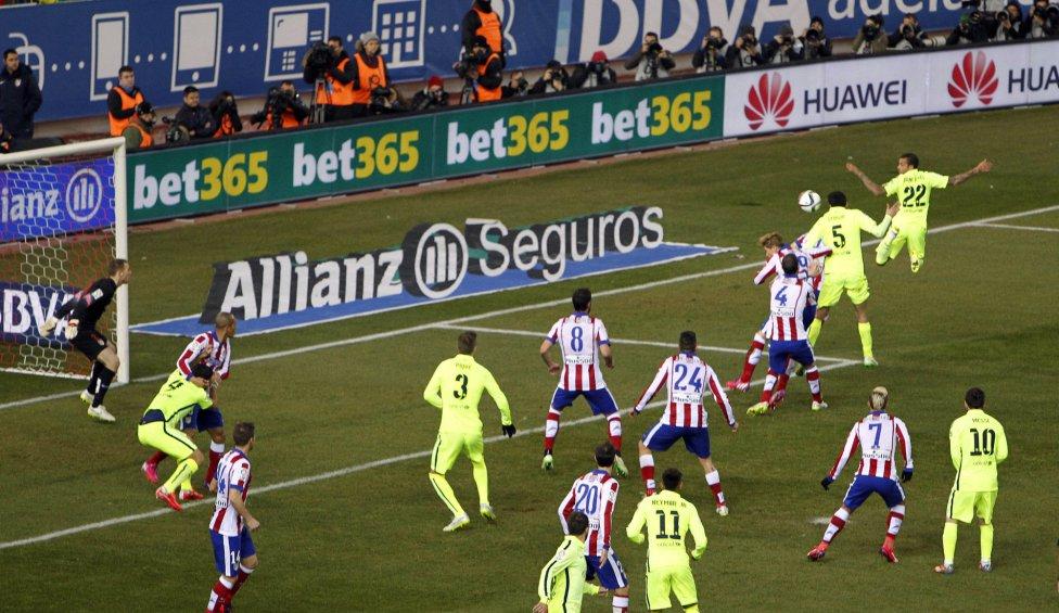 صور : مباراة أتليتيكو مدريد - برشلونة 2-3 ( 28-01-2015 )  1422473923_118684_1422481743_album_grande