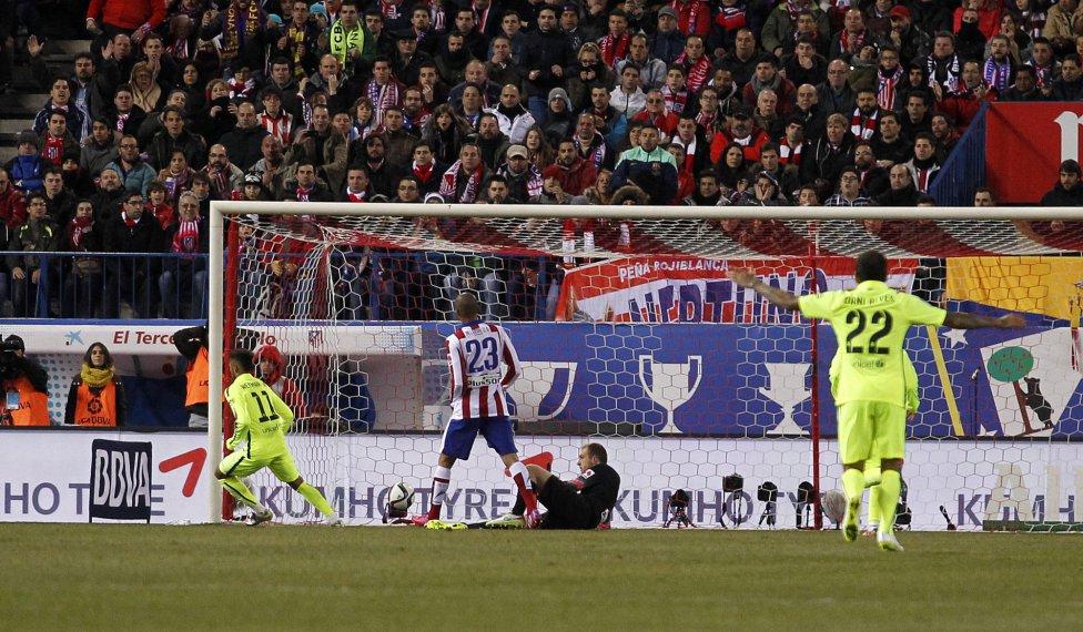 صور : مباراة أتليتيكو مدريد - برشلونة 2-3 ( 28-01-2015 )  1422473923_118684_1422482080_album_grande