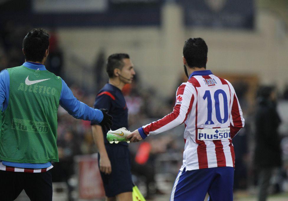 صور : مباراة أتليتيكو مدريد - برشلونة 2-3 ( 28-01-2015 )  1422473923_118684_1422486588_album_grande