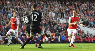Football - Arsenal v Manchester United - Barclays Premier League - Emirates Stadium - 4/10/15