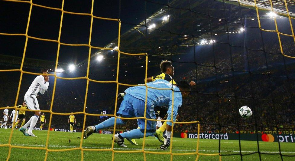 B. دورتموند ريال مدريد في صور