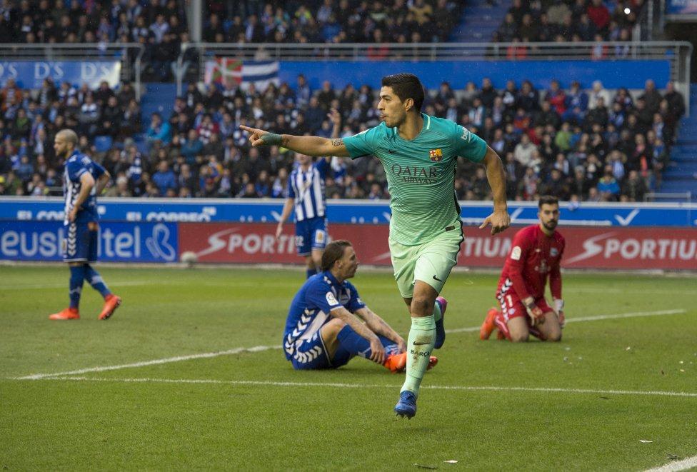 Luis Suárez marca el 0-1.