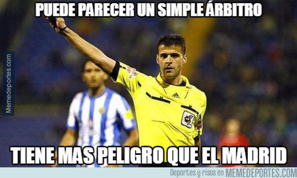 Piqué, Gil Manzano, Benzema, protagonistas en los memes del Villarreal-Real Madrid