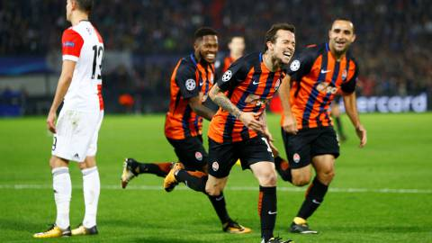 Soccer Football - Champions League - Feyenoord vs Shakhtar Donetsk - De Kuip, Rotterdam, Netherlands - October 17, 2017   Shakhtar Donetsk's Bernard celebrates scoring their second goal    REUTERS/Michael Kooren